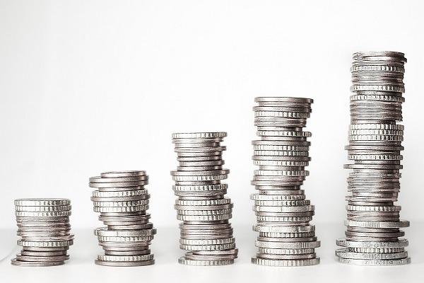 Jak kształtują się zarobki w pracy księgowej?